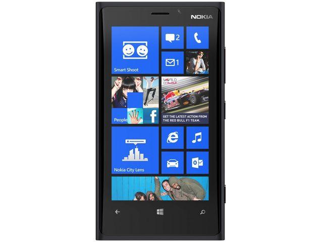 obsah balení Nokia Lumia 920 černá + Powerbanka 5600mAh bílá