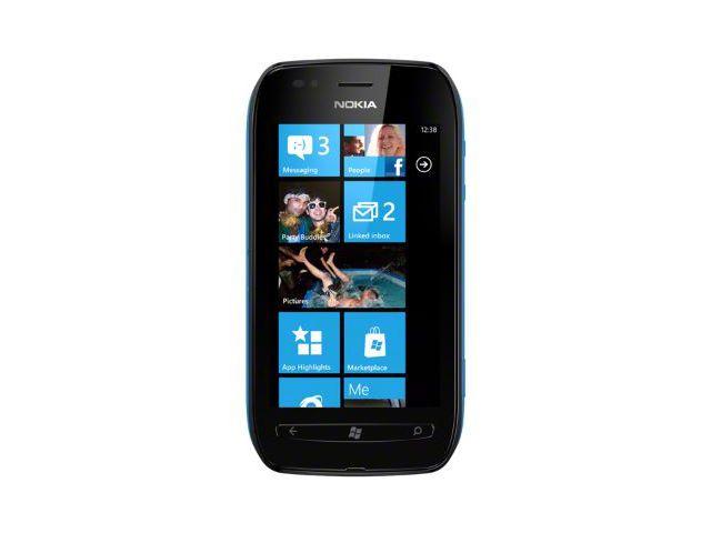 obsah balení Nokia Lumia 710 Black/Cyan + záložní zdroj Nokia DC-16 ZDARMA